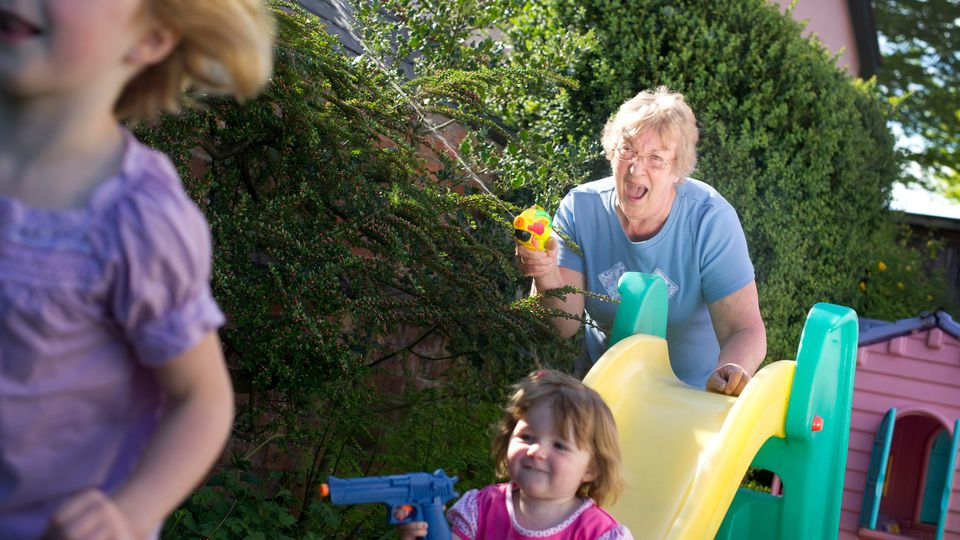 Quand les grands-parents deviennent des parents « bis »
