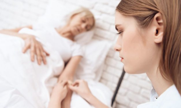 Prendre soin des prestataires de soins de longue durée devrait être une priorité absolue
