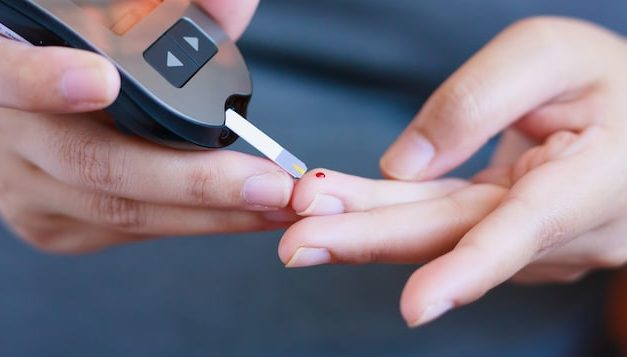 Dépister la COVID-19 en 15minutes grâce aux tests sérologiques | Coronavirus